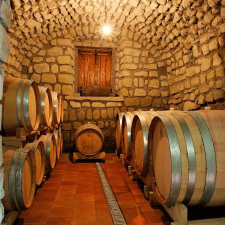 Vini-Tommasone-Ischia-Cantina-Tufo-1870